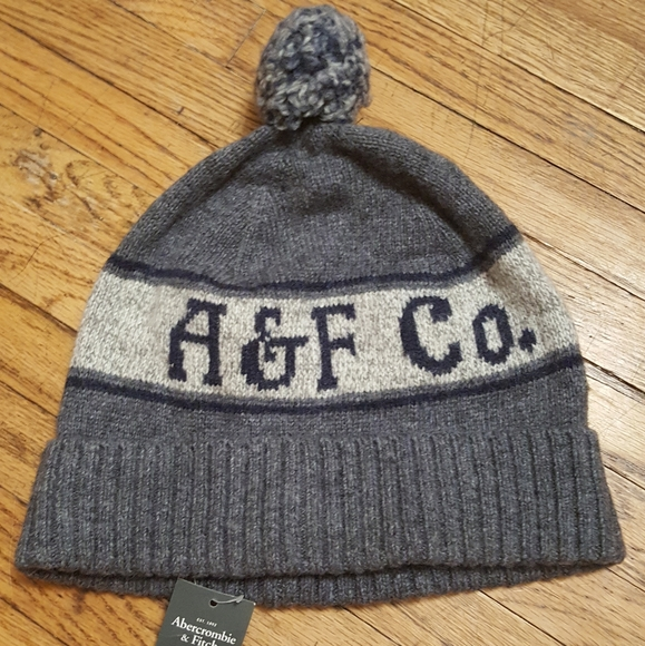 Abercrombie and Fitch gray pom pom toque